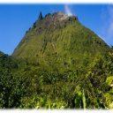 En route pour le sommet de La Soufrière en Guadeloupe