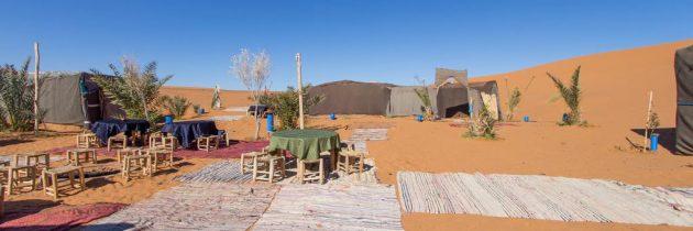 Nuit en bivouac en plein désert du Sahara au Maroc