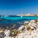 Voyage en famille en Corse à bord d'un voilier, que faut-il préparer ?